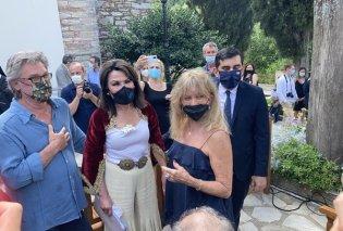 Έλληνες πια η Goldie Hawn και ο Kurt Russell στην Σκιάθο - Θαύμασαν την πρώτη ελληνική σημαία (φωτό) - Κυρίως Φωτογραφία - Gallery - Video