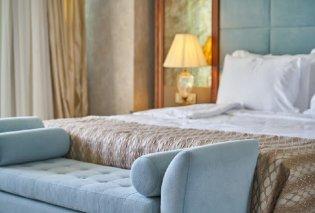 Ακούστε τι ζήτησε ζευγάρι ξενοδόχων που πέθανε: Έβαλε όρο στη διαθήκη για οικονομική ενίσχυση των υπαλλήλων του ξενοδοχείου της στη Λήμνο   - Κυρίως Φωτογραφία - Gallery - Video