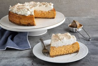 Ο Άκης Πετρετζίκης προτείνει: Cheesecake με κολοκύθα - Το απόλυτο Φθινοπωρινό γλυκό  - Κυρίως Φωτογραφία - Gallery - Video