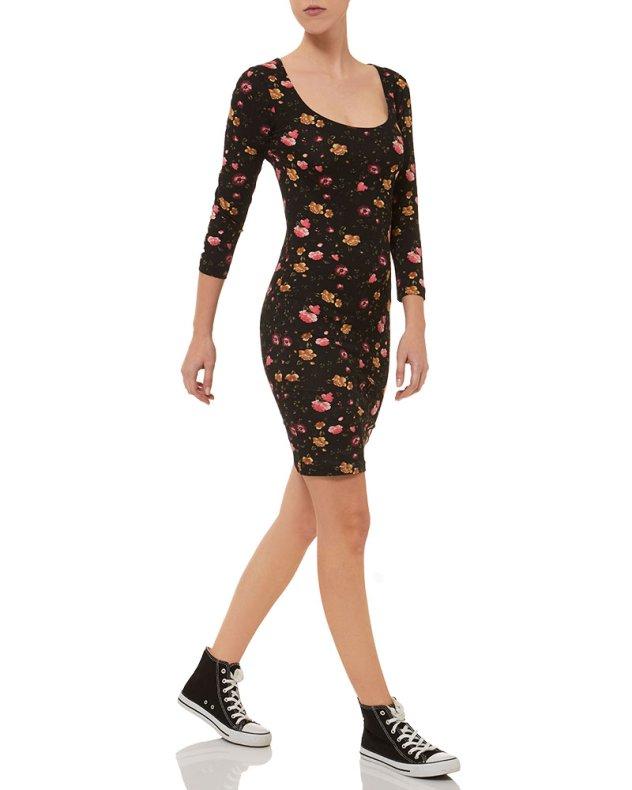 6 floral φορέματα για στιλάτα ανοιξιάτικα σύνολα - Δείτε τα ... 019ffa5ade6