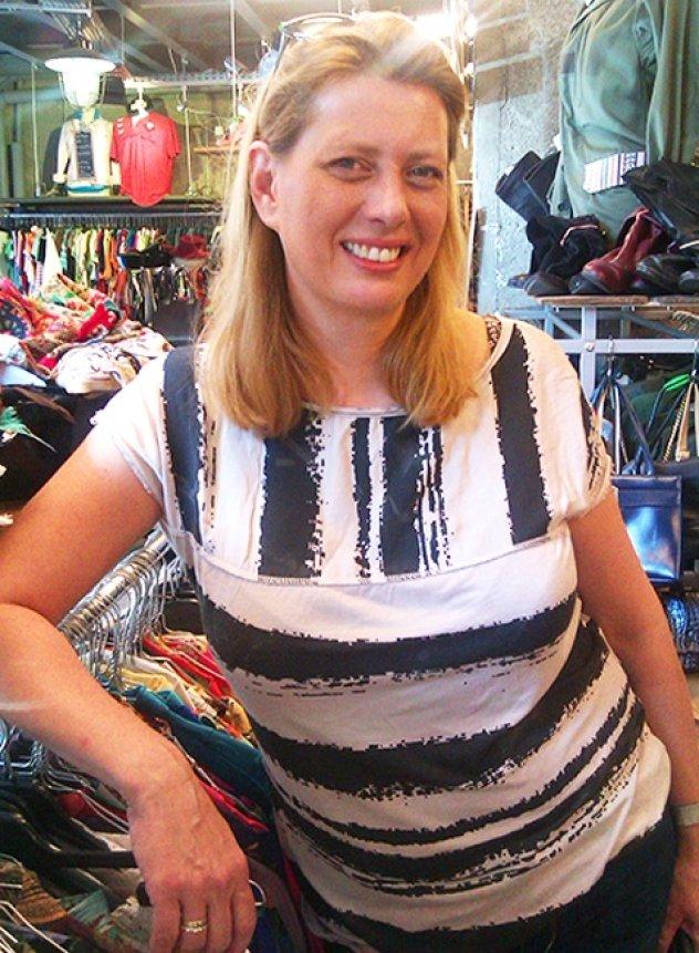 Kilo shop λέγεται το νέο hot spot της Ερμού-Η Sabine από το ... 23327ca9c15