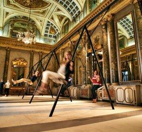 """Η πιο χλιδάτη... """"κούνια μπέλα"""" που έγινε ποτέ: Έστησε παιδική χαρά μέσα σε ένα παραμυθένιο palazzo του Μιλάνο!  - Κυρίως Φωτογραφία - Gallery - Video"""