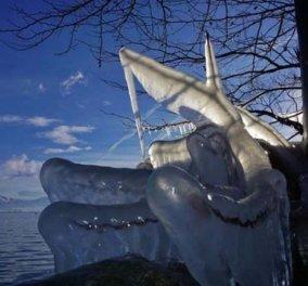 Good News: Εντυπωσιακά εργα τέχνης στην παγωμένη λίμνη της Καστοριάς - Δείτε τις φωτογραφίες που κάνουν το γύρο των social media! - Κυρίως Φωτογραφία - Gallery - Video