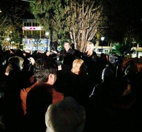 Το ζεύγος Γιώργου & Μαρίνας Πατούλη, άναψαν το Χριστουγεννιάτικο δέντρο στο Μαρούσι- Παγοδρόμιο, καρουζέλ και σπιτάκι Άι Βασίλη ως τις 4 Γενάρη! (φωτό) - Κυρίως Φωτογραφία - Gallery - Video