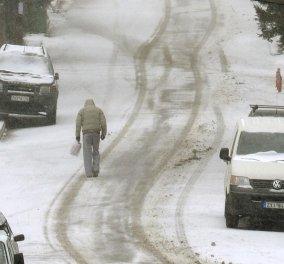 Η επέλαση του χειμώνα σε εικόνες - Ρέθυμνο, Χανιά, αυτοκίνητα στην θαλασσά - Παγοδρόμια στα βουνά της Λαρίσας! (Φωτό) - Κυρίως Φωτογραφία - Gallery - Video