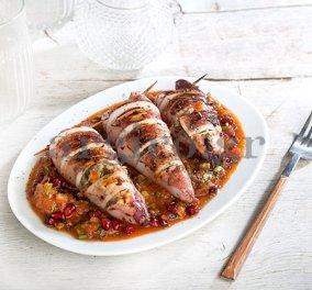 Καλαμάρι γεμιστό με κρύα σάλτσα ντομάτας, ρόδι και βότανα από την Αργυρώ! - Κυρίως Φωτογραφία - Gallery - Video