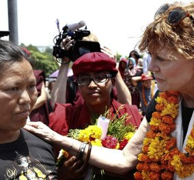 Topwoman η Σούζαν Σάραντον - Μετέβη στο σεισμόπληκτο Νεπάλ ως εθελόντρια για να σταθεί στο πλευρό των ανθρώπων - Κυρίως Φωτογραφία - Gallery - Video