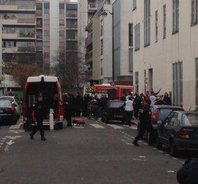 Μακελειό στο Παρίσι με 12 νεκρούς και 20 τραυματίες από επίθεση με καλάσνικοφ στη σατιρική εφημερίδα Charlie Hebdo! (φωτό - βίντεο) - Κυρίως Φωτογραφία - Gallery - Video