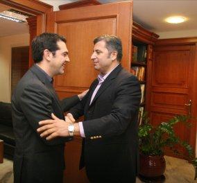 O Πρωθυπουργός με τους Δημάρχους & Περιφερειάρχες - Ο Στ. Θεοδωράκης στον Πρόεδρο  - Κυρίως Φωτογραφία - Gallery - Video