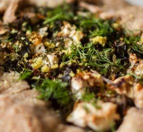 Μια ολόκληρη Ελβετική τελετή στην κουζίνα σας! Τάρτα με σέσκουλα και μανιτάρια (Galette) από τον νεαρό ''μάγο'' Άκη Πετρετζίκη! - Κυρίως Φωτογραφία - Gallery - Video