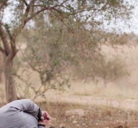 Σοκαριστικό βίντεο που κάνει τον γύρο του κόσμου: 10χρονος εκτελεστής στην υπηρεσία του ISIS σκοτώνει «Ρώσους πράκτορες»! - Κυρίως Φωτογραφία - Gallery - Video