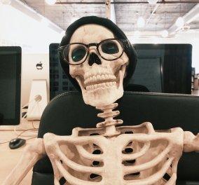 Skelly: O θηλυκός σκελετός που κάνει θραύση στο Instagram! Aκόμη να ακολουθήσεις την @omgliterallydead; (φωτό) - Κυρίως Φωτογραφία - Gallery - Video