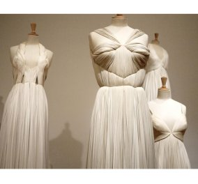 Αυτή ήταν η Mme Grès, η γλύπτρια της μόδας με πρότυπο τον αρχαιοελληνικό χιτώνα, ύμνησε το πλισέ & την υπέρκομψη γυναικεία φιγούρα! (φωτό & βίντεο) - Κυρίως Φωτογραφία - Gallery - Video
