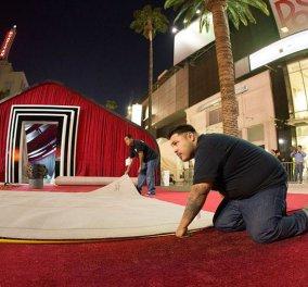 Ηollywood: Στρώνουν το κόκκινο χαλί: Δείτε φωτογραφίες από τις προετοιμασίες για τα Όσκαρ! - Κυρίως Φωτογραφία - Gallery - Video