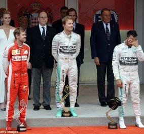 Formula 1: O κατά λάθος νικητής, τα νεύρα του σταρ Hamilton & τα βραβεία από την πανέμορφη πριγκήπισσα Charlene  - Κυρίως Φωτογραφία - Gallery - Video