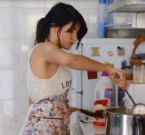 Story οf the day: Η ιστορία της 24χρονης Μελίνας που ψωνίζει, μαγειρεύει και μοιράζει γεύματα σε άστεγους και τοξικομανείς στο κέντρο της Αθήνας!  - Κυρίως Φωτογραφία - Gallery - Video