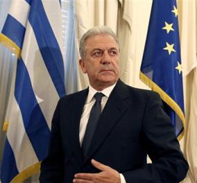 Έκκληση να συνεχισθούν οι διαπραγματεύσεις απηύθυνε ο Ευρωπαίος επίτροπος Δημήτρης Αβραμόπουλος - Κυρίως Φωτογραφία - Gallery - Video