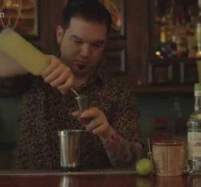 Πως είναι να βλέπεις live να φτιάχνει το κοκτέιλ White monkey ένας expert barman ? Kαλοκαιρινή πρόκληση! - Κυρίως Φωτογραφία - Gallery - Video