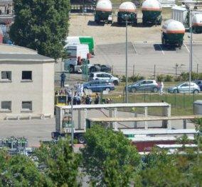 Επίθεση τζιχαντιστών στην Γαλλία- Αποκεφάλισαν άντρα & ύψωσαν σημαία του ISIS σε εργοστάσιο της χώρας - Κυρίως Φωτογραφία - Gallery - Video
