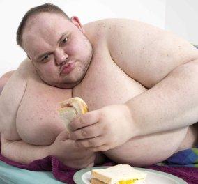 Πέθανε ο παχύτερος άνθρωπος της Βρετανίας: Ζύγιζε 413 κιλά και ήταν μόλις 33 ετών  - Κυρίως Φωτογραφία - Gallery - Video