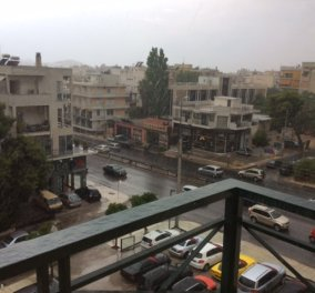 Μαρούσι τώρα: Η μέρα έγινε νύχτα  - Βρέχει καρεκλοπόδαρα - Κυρίως Φωτογραφία - Gallery - Video