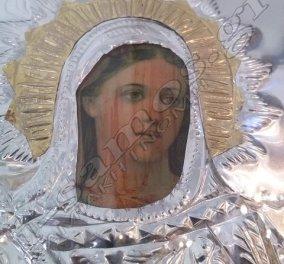 Η εικόνα της Παναγίας Στη Σάμο, μάτωσε! Συρρέουν οι πιστοί να δουν το θαύμα  - Κυρίως Φωτογραφία - Gallery - Video