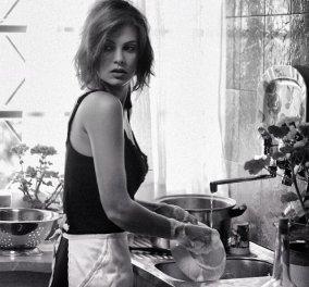Πότε «πεθαίνουν» κοινά αντικείμενα καθημερινής χρήσεως; Σφουγγαράκι κουζίνας, χλωρίνη, σουτιέν;  - Κυρίως Φωτογραφία - Gallery - Video
