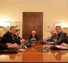 Oλοκληρώθηκε το Συμβούλιο των Πολιτικών Αρχηγών έπειτα από 6,5 ώρες συνεδρίασης - Κυρίως Φωτογραφία - Gallery - Video