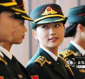 Με αυτές τις γυναίκες - Καλλονές οι Κινέζοι ηγέτες υποδέχονται τους επίσημους τους  - Κυρίως Φωτογραφία - Gallery - Video