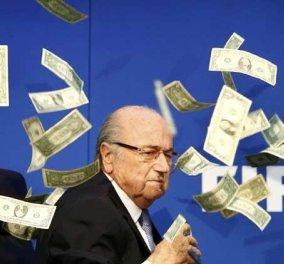 Βίντεο: Χοντρό καψόνι στον Πρόεδρο της FIFA Μπλάτερ- Τον έλουσαν με ψευτοδολάρια  - Κυρίως Φωτογραφία - Gallery - Video