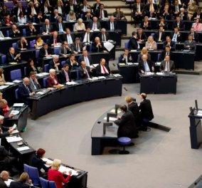 Πέρασε το ελληνικό πρόγραμμα από την Γερμανική Βουλή: 425 ''ΝΑΙ'' - 113 ''ΟΧΙ'' - 18 απόντες - Κυρίως Φωτογραφία - Gallery - Video