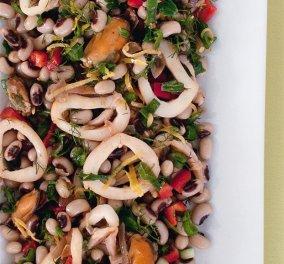 O Master chef Γιάννης Λουκάκος δημιουργεί: Φασόλια µαυροµάτικα µε καλαµάρια και µύδια  - Κυρίως Φωτογραφία - Gallery - Video
