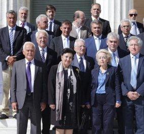 Οικογενειακή φωτογραφία με τη νέα κυβέρνηση: Βασιλική Θάνου -Δεν θα είμαι αυστηρή με τους υπουργούς-  - Κυρίως Φωτογραφία - Gallery - Video