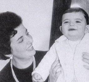 Αντόνιο Μπαντέρας: Από την αγκαλιά της μαμάς στις αγκαλιές της άγνωστης πρώτης γυναίκας, της Μαντόνα, της Μέλανι Γκρίφιθ & της Νικόλ - Κυρίως Φωτογραφία - Gallery - Video