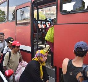 Πάνω από 100 μετανάστες μεταφέρθηκαν στα κοντέινερς του Βοτανικού - Παρούσα & η Τ. Χριστοδουλοπούλου  - Κυρίως Φωτογραφία - Gallery - Video
