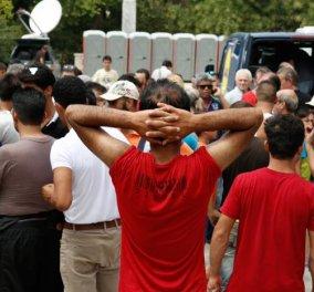 Υλική βοήθεια από το ΠΑΜΕ στους μετανάστες στο Πεδίο του Άρεως - Μοίρασε τρόφιμα & είδη πρώτης ανάγκης - Κυρίως Φωτογραφία - Gallery - Video