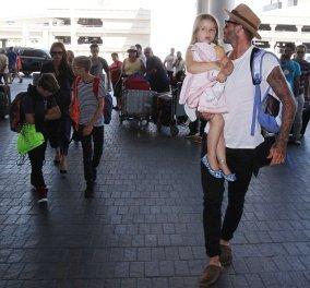 Η διάσημη οικογένεια Beckham επιστρέφει γιατί ανοίγουν τα σχολεία: Ντυμένοι στην τρίχα! Φώτο    - Κυρίως Φωτογραφία - Gallery - Video