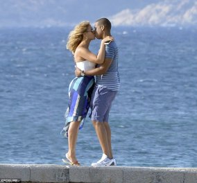Τρελά ερωτευμένοι μετά από 7 χρόνια γάμου! Beyonce & Jay - Z σε φωτό διακοπών στην Σαρδηνία  - Κυρίως Φωτογραφία - Gallery - Video