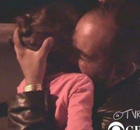 Συγκλονιστικό Βίντεο: Πρόσφυγας ξαναβρίσκει τα παιδιά του στην Κω - Κυρίως Φωτογραφία - Gallery - Video