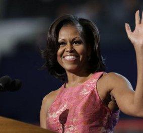 Μισέλ Ομπάμα με το μισό στήθος έξω σε tv show: Μου έχει λείψει τόσο πολύ το ανοιχτό παράθυρο    - Κυρίως Φωτογραφία - Gallery - Video
