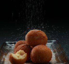 """Ο Γιάννης Λουκάκος μας """"κολάζει"""" - Λουκουμάδες με κατσικίσιο τυρί, ζάχαρη και κανέλα   - Κυρίως Φωτογραφία - Gallery - Video"""