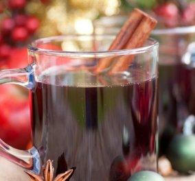 Ο Άκης Πετρετζίκης προτείνει ένα Φθινοπωρινό ποτό - Ζεστό γλυκό κρασί (Glühwein)!  - Κυρίως Φωτογραφία - Gallery - Video
