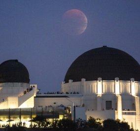 Το μαγευτικό θέαμα της «Ματωμένης Σελήνης» σήμερα τα ξημερώματα σε όλο τον κόσμο - Κυρίως Φωτογραφία - Gallery - Video