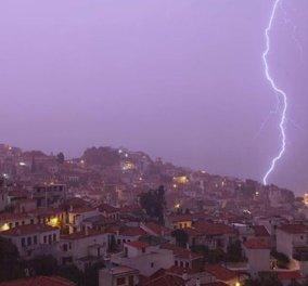Βιβλική καταστροφή στην Σκόπελο από τις καταρρακτώδεις βροχές: Εικόνες που κόβουν την ανάσα  - Κυρίως Φωτογραφία - Gallery - Video