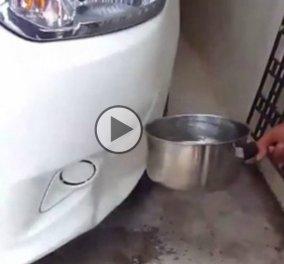 Απίθανο βίντεο: Έριξε καυτό νερό στο τρακαρισμένο του ΙΧ & δείτε τι έγινε - Κυρίως Φωτογραφία - Gallery - Video