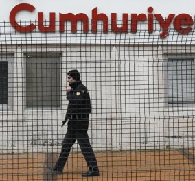 """""""Κόκκινος συναγερμός"""" στην Τουρκία: Απειλή για επίθεση τζιχαντιστών στην εφημερίδα Cumhuriyet - Κυρίως Φωτογραφία - Gallery - Video"""