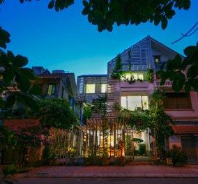 Πως ένα αδιάφορο σπίτι με την μαγική μπαγκέτα του αρχιτέκτονα γίνεται καταπράσινο γραφείο - κήπος   - Κυρίως Φωτογραφία - Gallery - Video