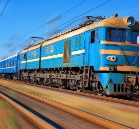 Αληθινό θρίλερ βίντεο! Παίζουν με τον θάνατο παραβιάζοντας το κόκκινο στις γραμμές των τρένων   - Κυρίως Φωτογραφία - Gallery - Video