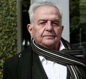 Φλαμπουράρης: Τρομοκρατική ήταν η επίθεση εναντίων μου επειδή τηρώ μετριοπαθή στάση - Μπιτόνι βενζίνης στο σπίτι του - Κυρίως Φωτογραφία - Gallery - Video