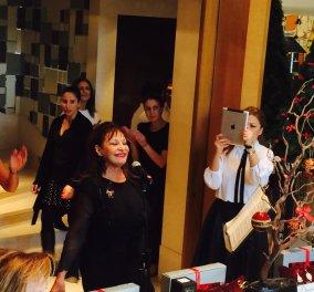 Ήρθαν τα Χριστούγεννα στην Αθήνα με Λυρικούς τραγουδιστές & δώρα για καλό σκοπό με οικοδέσποινα την Βέτα Στεφανίδου – Τσουκαλά  - Κυρίως Φωτογραφία - Gallery - Video